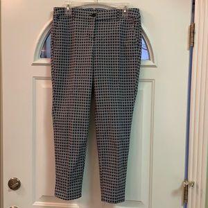 {Hilary Radley}Sz 6 Blk/Blue/Wht PatternCrop Pants